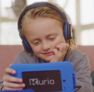 Muziek luisteren met kurio tablet